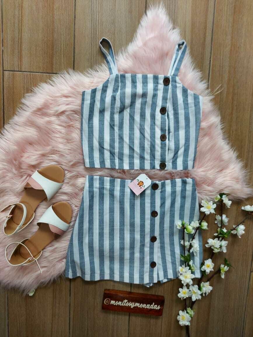 Set 2 piezas blusa tirantes + falda short , talla 10 años
