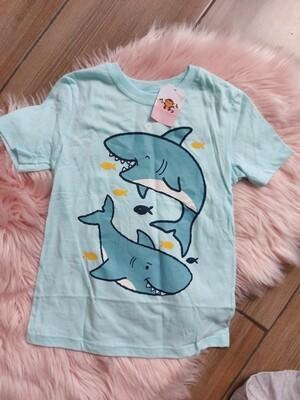 Camiseta celeste tiburón, 4 y 5 años