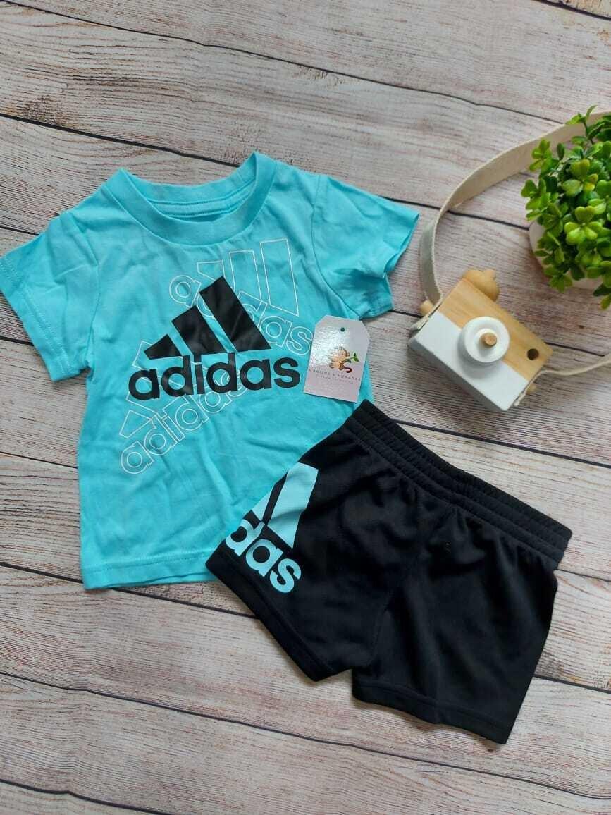 Set 2 piezas Adidas, camiseta celeste + short negro, 3 a 6 meses