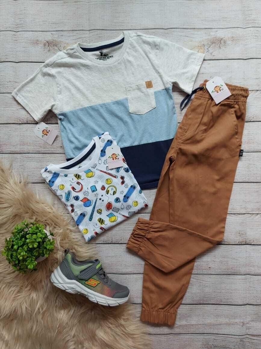 Set 3 piezas, 2 camisetas + jogger café, 3 años