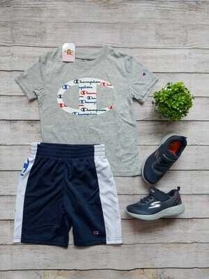 Set Champions, camiseta gris + pantaloneta azul con franjas blancas, 6 años