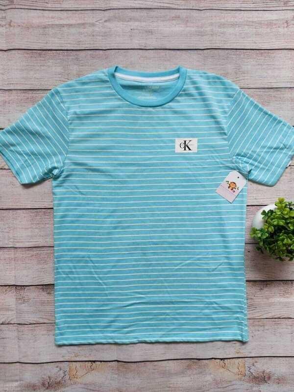 Camiseta Calvin Klein celeste rayas blancas, 10/12 años