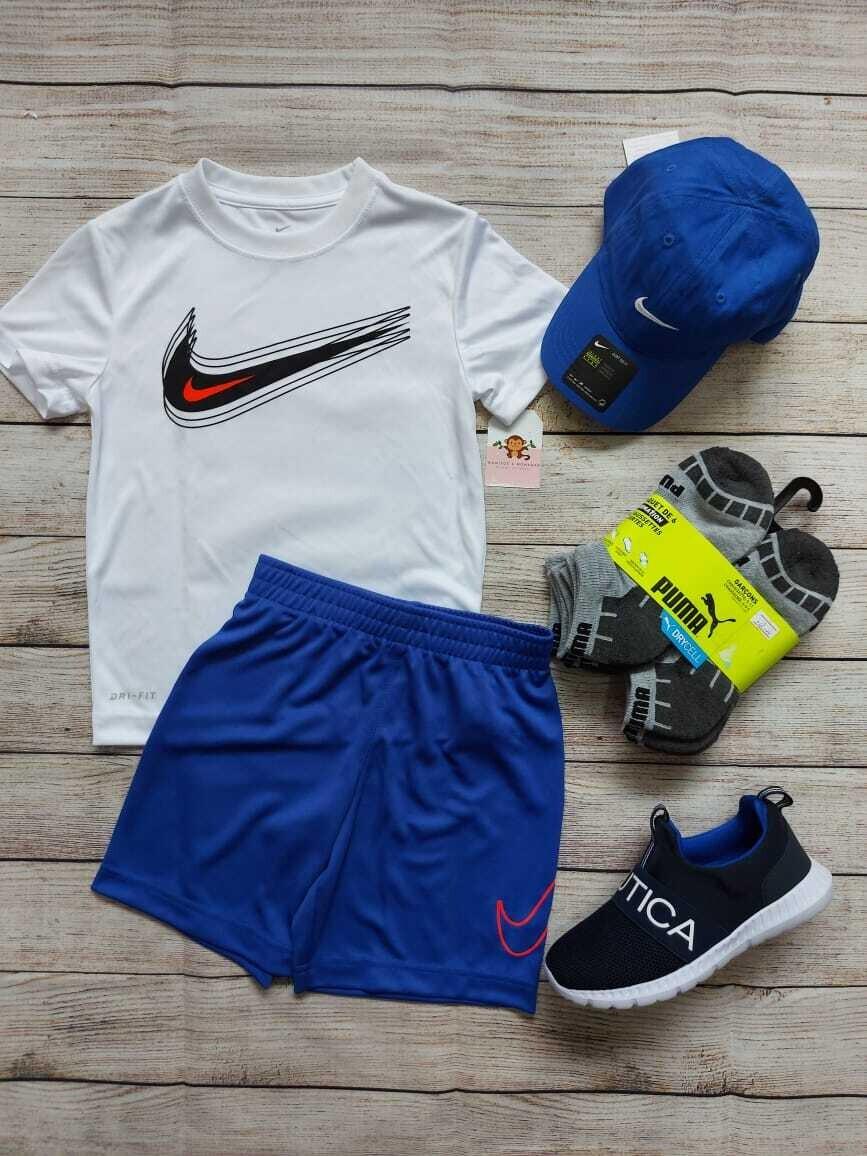 Set Nike, camiseta blanca + short azul, 4 años