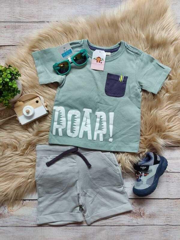 Set 2 piezas Roar, camiseta verde oliva + short, 24 meses