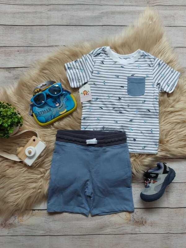 Set 2 piezas, camiseta blanca a rayas + short color azul, 24 meses