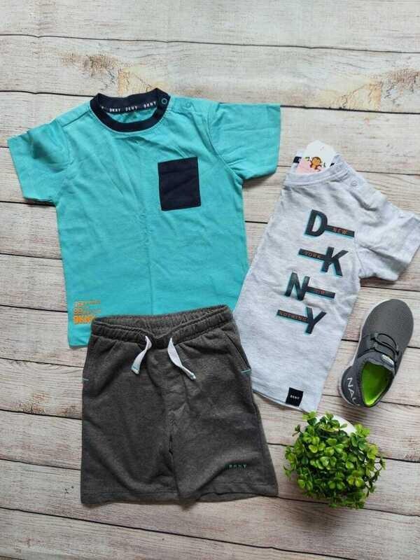 Set 3 piezas DKNY, 2 camisetas + short gris, 24 meses