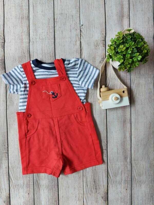 Overall Little Me + camiseta rayada, 6 meses