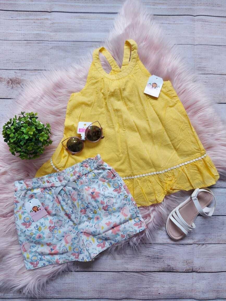 Set 2 piezas, blusa amarilla + short de flores, 6 años