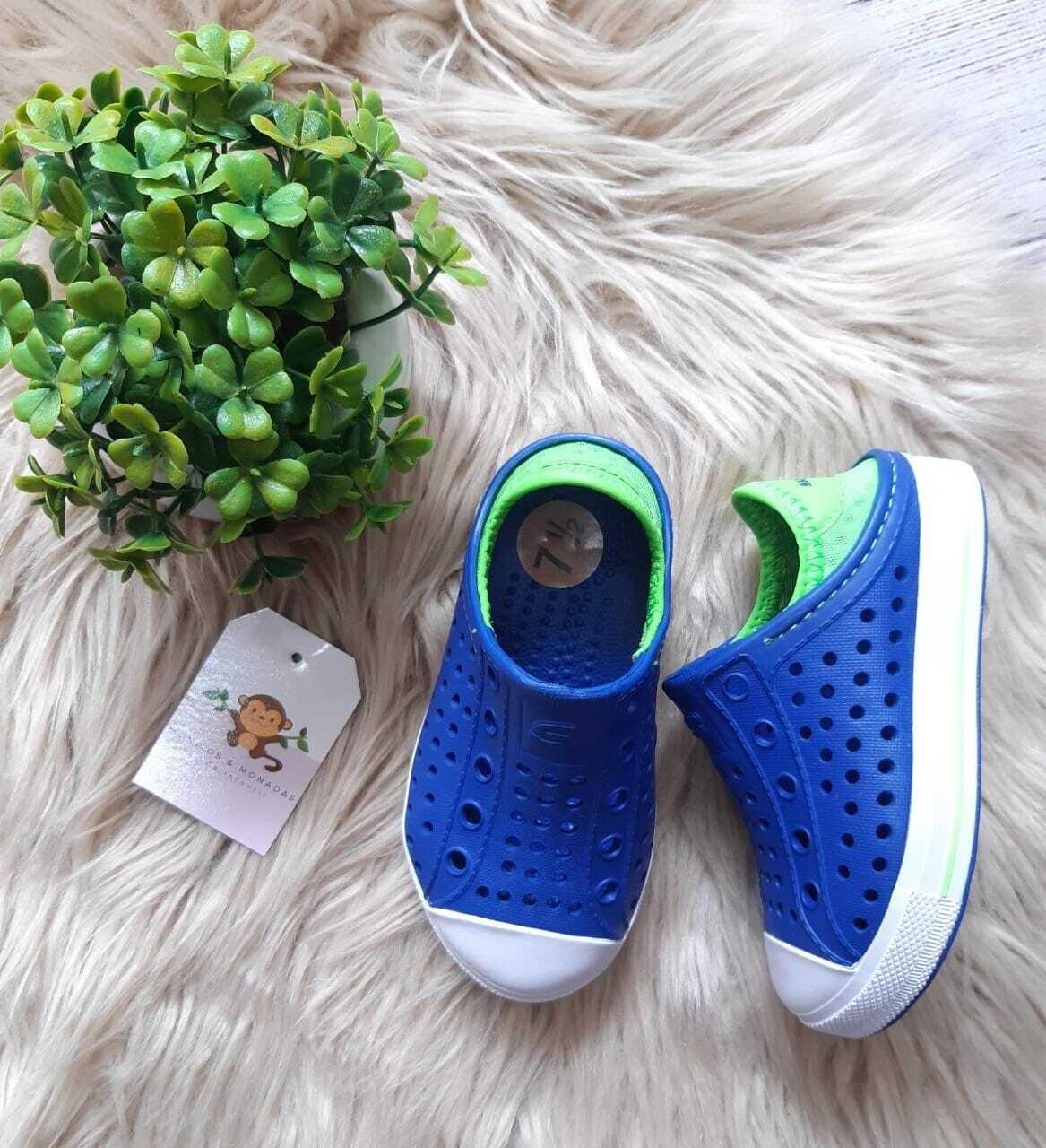 Zapatos Sketchers azules y verdes, Talla 7 1/2 us