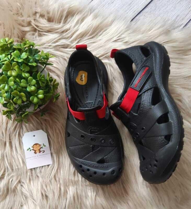 Zapatos Sketchers negros, Talla 33