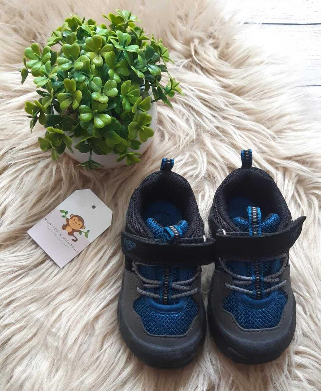 Zapatos Oshkosh azules y negros, Talla 5 us
