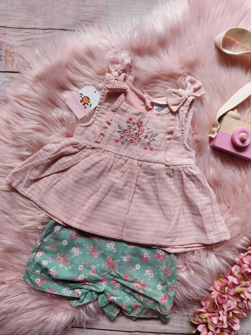Set 2 piezas, blusa + short de flores, 18 meses