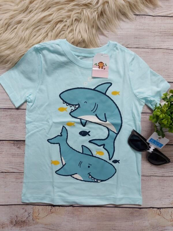Camiseta celeste tiburón, 4 años