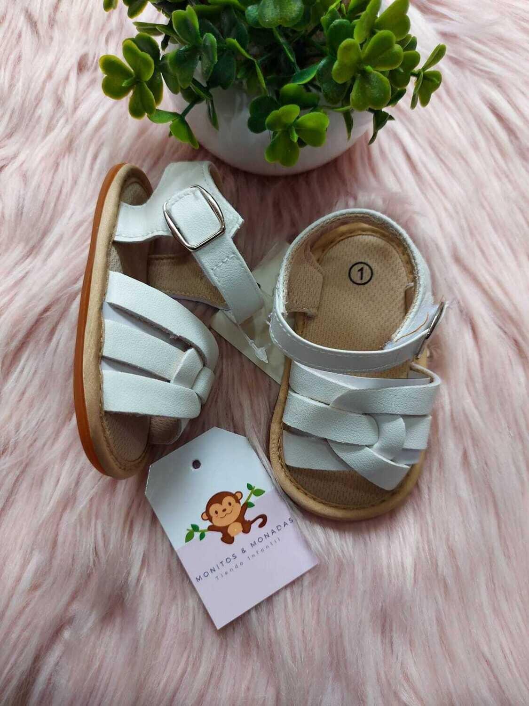 Sandalias blancas, 1 us