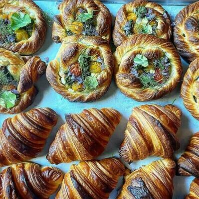 Bondir Croissant Plain