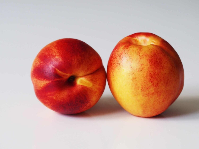Nectarines, ORG  - 1/2 Pound