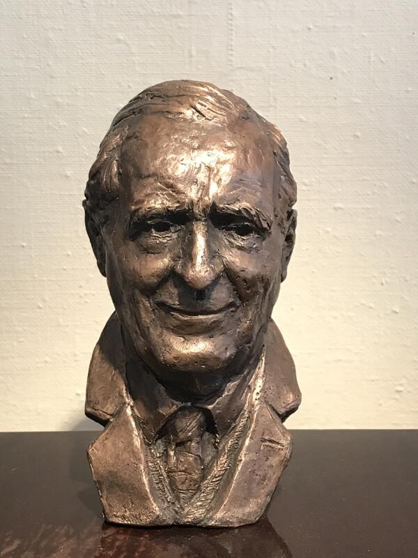 Byste Sculpture in bronz «J.R.R. Tolkien»