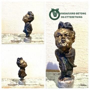 Vindafjord Betong Og Etteretning Skulptur I Resin Og Betong, Eldre Mann