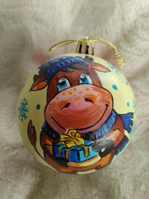 Ёлочный шар с художественной росписью