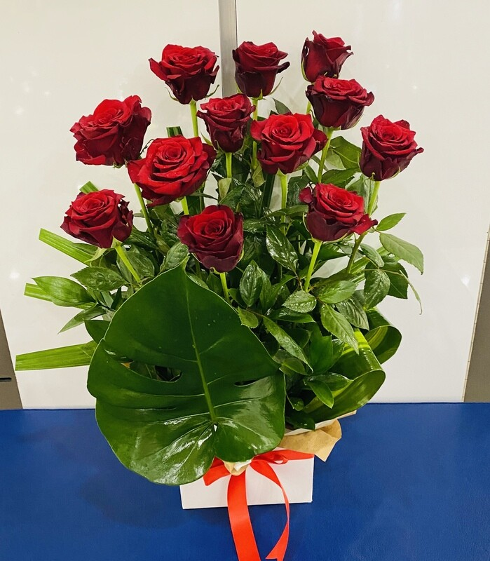 12 RED ROSES BOX ARRANGEMENT