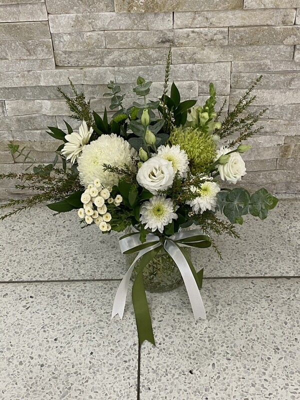 WHITE AND GREEN POSY IN A GLASS JAR