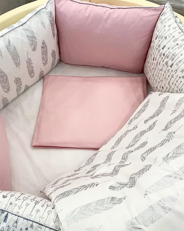 Постелнина ,,Робин Худ-розева боја'' за креветче трансформер 8во1