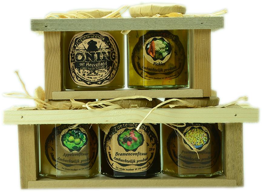 Droge voeding: 't zoetemoendje 3 confituursoorten, 1 pickles, 1 honing