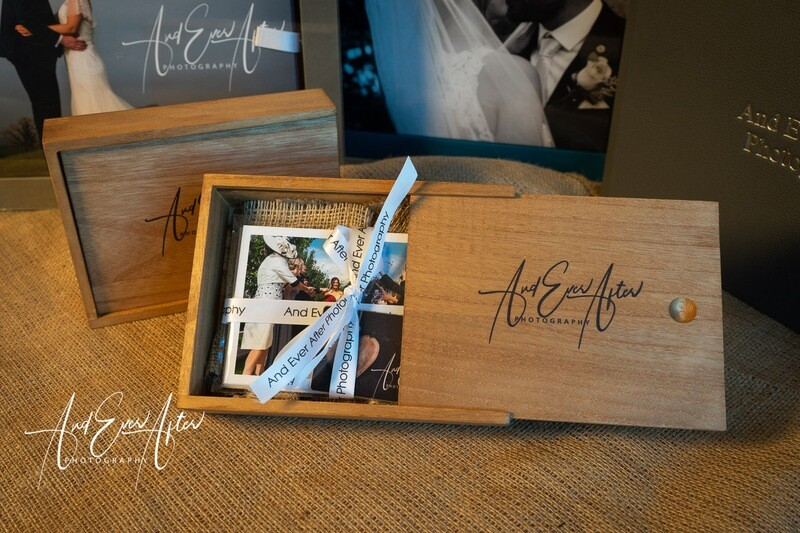 Wooden Keepsake Box With USB &  20 Prints