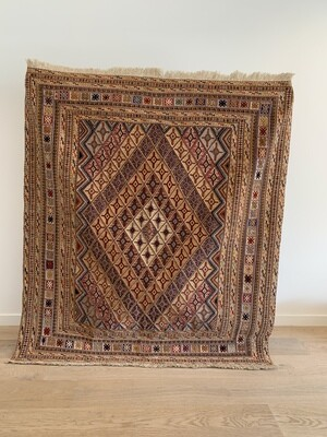 Kelim tapijt: Meshwani two