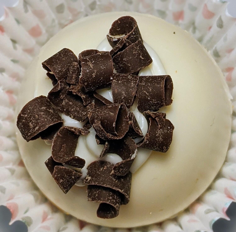 White Chocolate Caramel Cappuccino Bomb