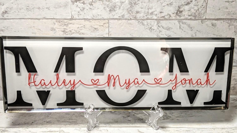 """""""Mom"""" Glass Plaque"""