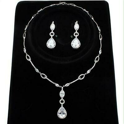 3W1247 - Rhodium Brass Jewelry Sets with AAA Grade CZ  in Clear