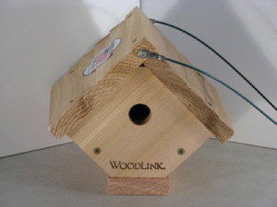 Wooden wren house by Woodlink