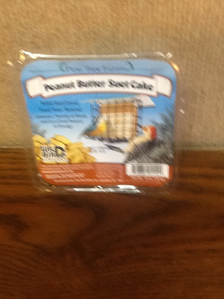Peanut butter suet cake 12oz.
