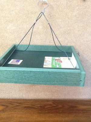 Recycled hanging tray feeder