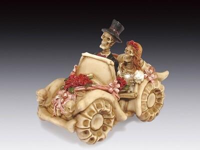 SKELETON WEDDING IN A CAR
