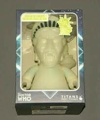 DOCTOR WHO STATUE OF LIBERTY