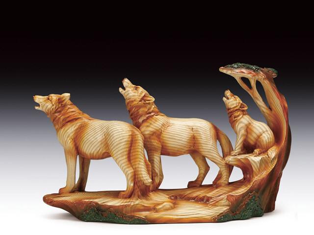 WOLF FAMILY HOWLING WOOD LIKE