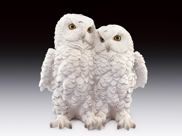 SNOW OWL COUPLE
