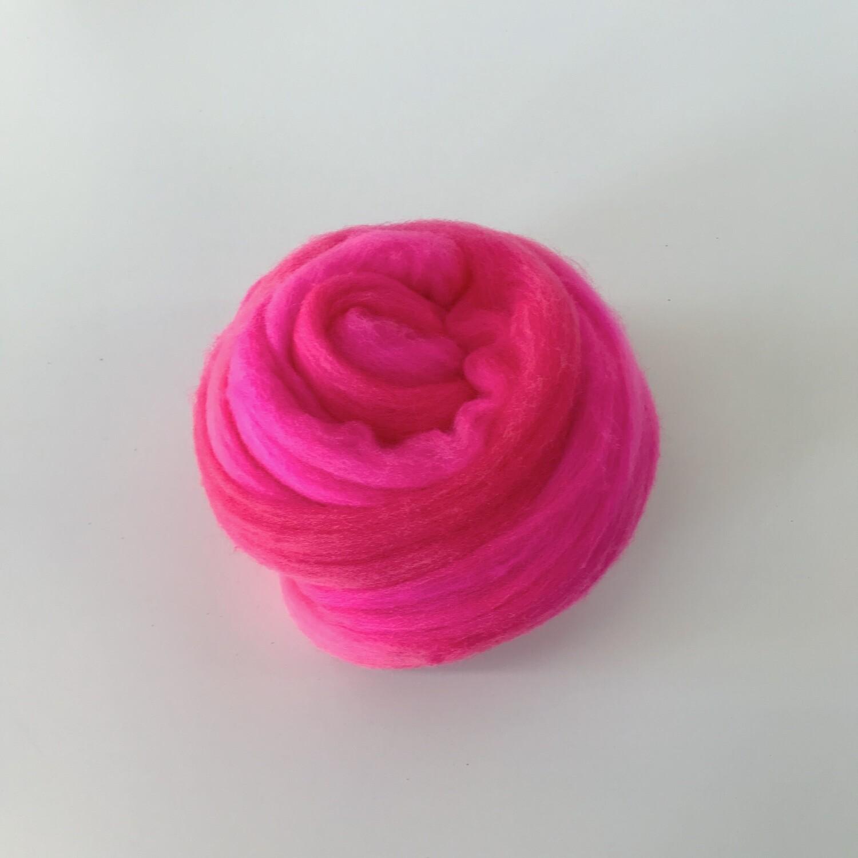 FLUFF - Hand-dyed Merino Roving - Fuschia