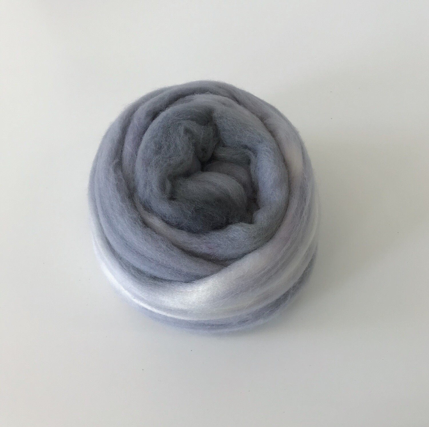 FLUFF - Hand-dyed Merino Roving - Silver