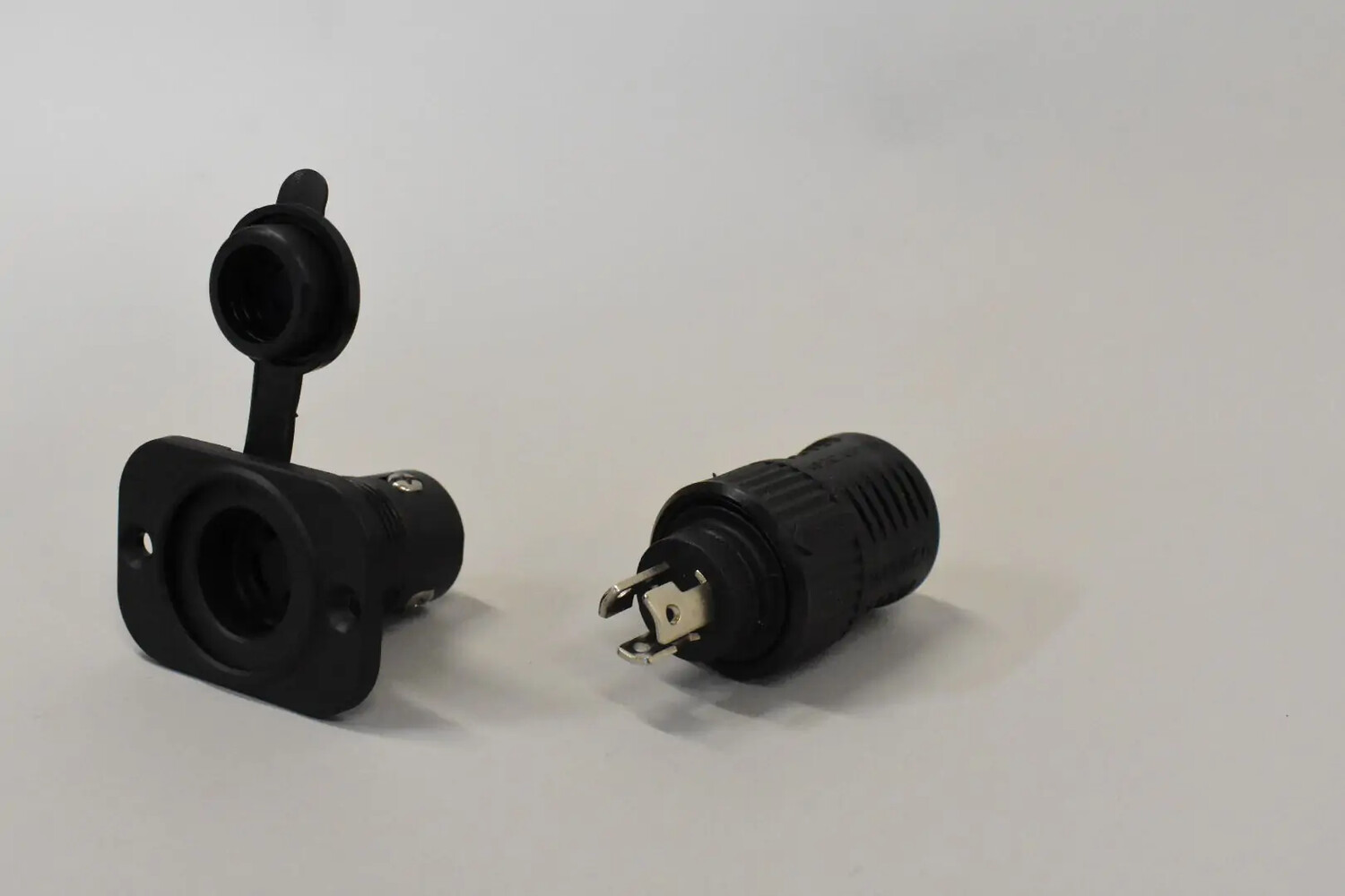 PLUG PACKAGE HEAVY-DUTY 3 PRONG