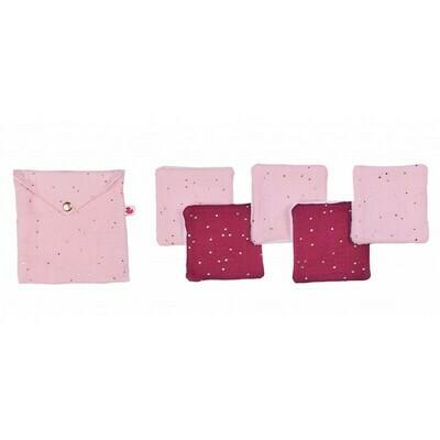 Roze etui met doekjes