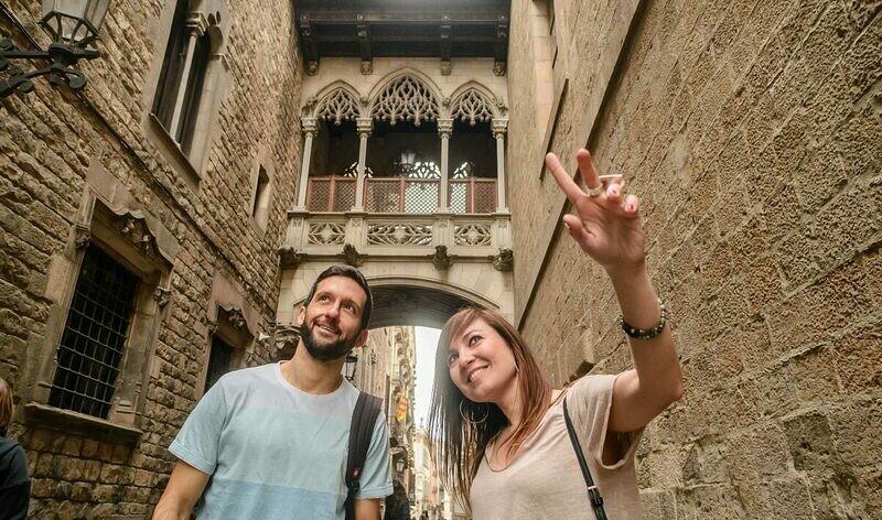 Secretos del Barrio Gótico. Visita en grupo catalán/ castellano