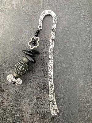 Buchzeichen Blume Onyx und Pyrit