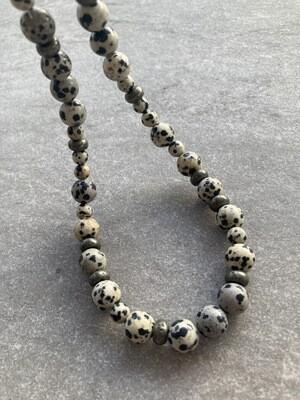Collier mit Dalmatiner Jaspis und Pyrit