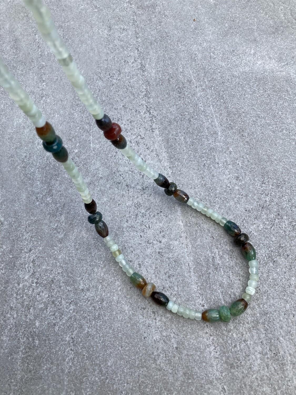 Collier Jade hellgrün und Achat