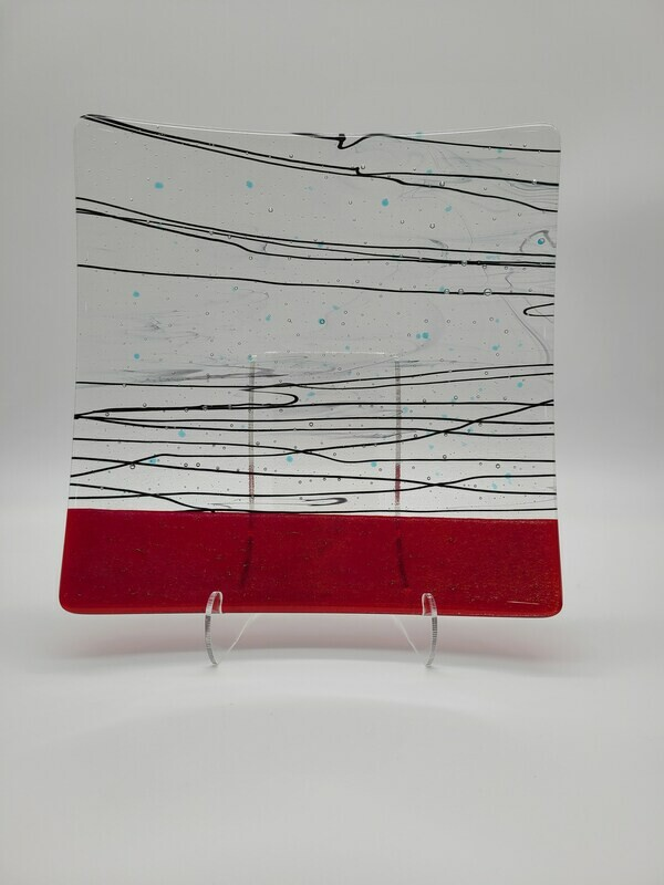 Red accents with Black Stringers Large Dish