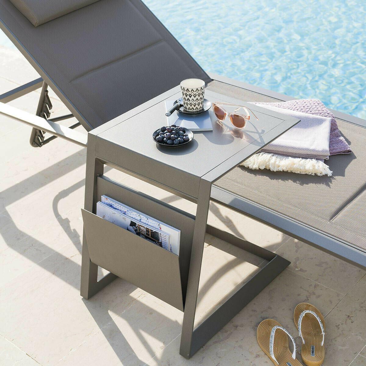 Table d'appoint de jardin carrée Allure Praline