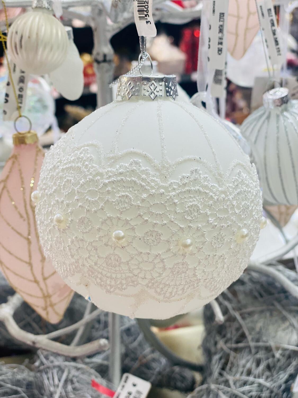 Boule verre 100mm blanche dentelle perle